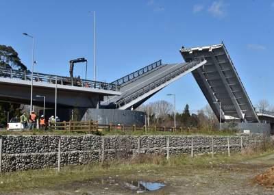 Informe encargado por el Fisco asegura que el Puente Cau Cau es